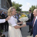 """Putinova """"buba"""" otišla u dobrotvorne svrhe"""