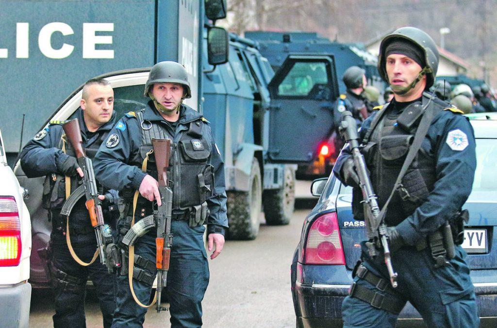 (UŽIVO) ROSU NA SEVERU KOSMETA Uhapšeno 13 Srba, Vučić naredio PUNU BORBENU GOTOVOST VOJSKE