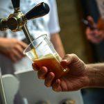 Ko sledeće nedelje stiže u Beograd, ima BESPLATNO pivo!