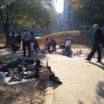 Nelegalni prodavci se bahate: Ruglo kod banjičkih Pet solitera
