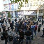 Deo opozicije blokira ulaze u RTS