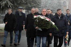 Predstavnici SZS na pomenu Oliveru Ivanoviću