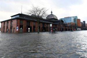 Uragan potopio Hamburg /video/