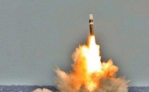 "Lansirano sa podmornice: Američka vojska izvela probe rakete ""Trajdent II"""