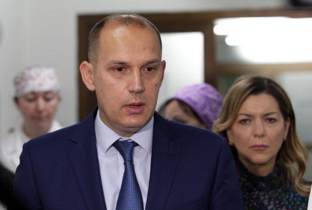 Lončar: Lično garantujem da je Vučić poštovao procedure nakon što je otkriveno da je njegov sin zaražen korona virusom