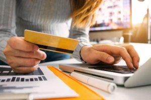 Navala na internet trgovinu hranom, sve veće čekanje, prodavci preopterećeni