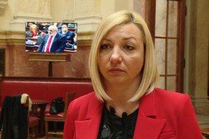 Macura: Trudnice ne moraju da ispaštaju zbog administrativne bahatosti
