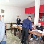 U kafani kod Đukića u Mladenovcu i ove godine umesto pića GLASAČKI LISTIĆI (FOTO)