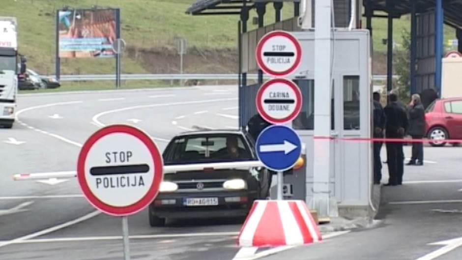Crna Gora otvorila granice za građane 131 zemlje, S. Makedonija skinuta sa liste