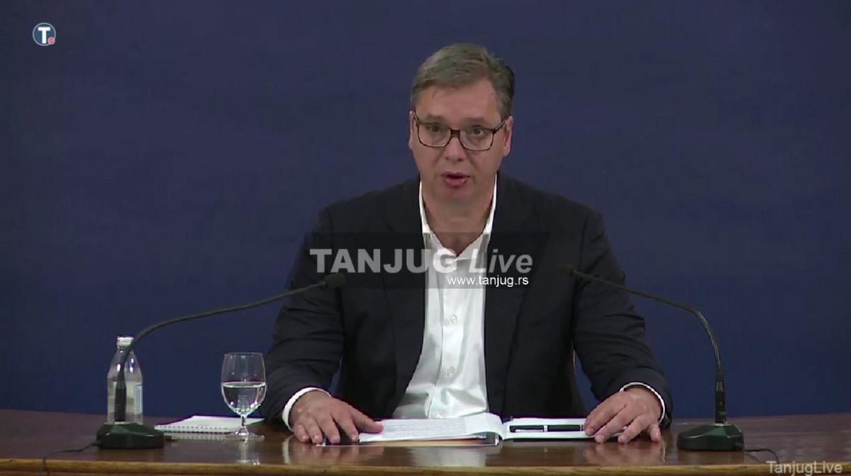 """""""SINOĆ SU DIVLJALI DESNIČARI"""" Vučić: U haosu u Beogradu učestvovala brojna lica koja nisu iz Srbije"""