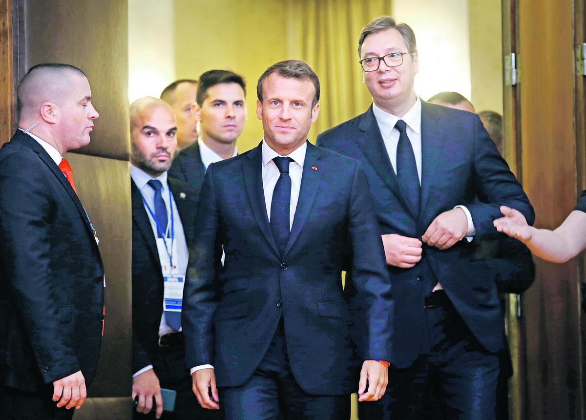 Vučić stigao u Pariz, sa Makronom večeras razgovor o Kosovu