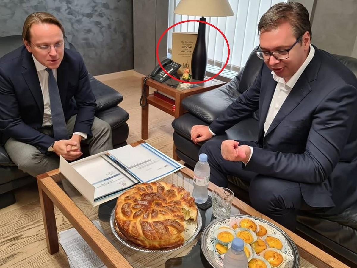 SMETA IM KNJIGA Priština uputila notu EK zbog jednog detalja sa sastanka Vučića i Varheljija, traži IZVINJENJE BRISELA