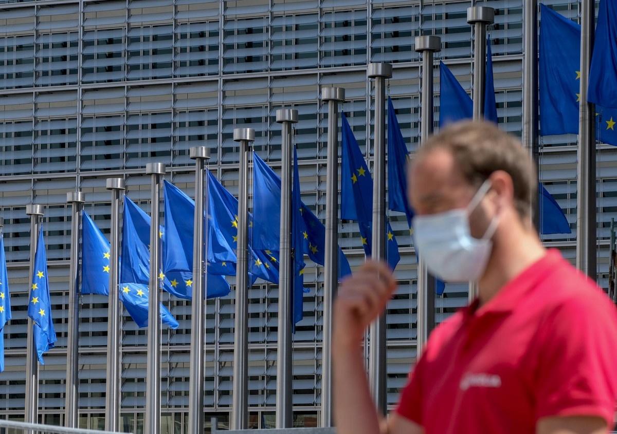 POLOVINA GRAĐANA SRBIJE ZA EU Članstvu u Evropskoj uniji protivi se skoro trećina, dok je za ulazak u NATO 9%