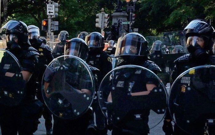 Protest protiv prisustva Savezne policije u Čikagu /video/