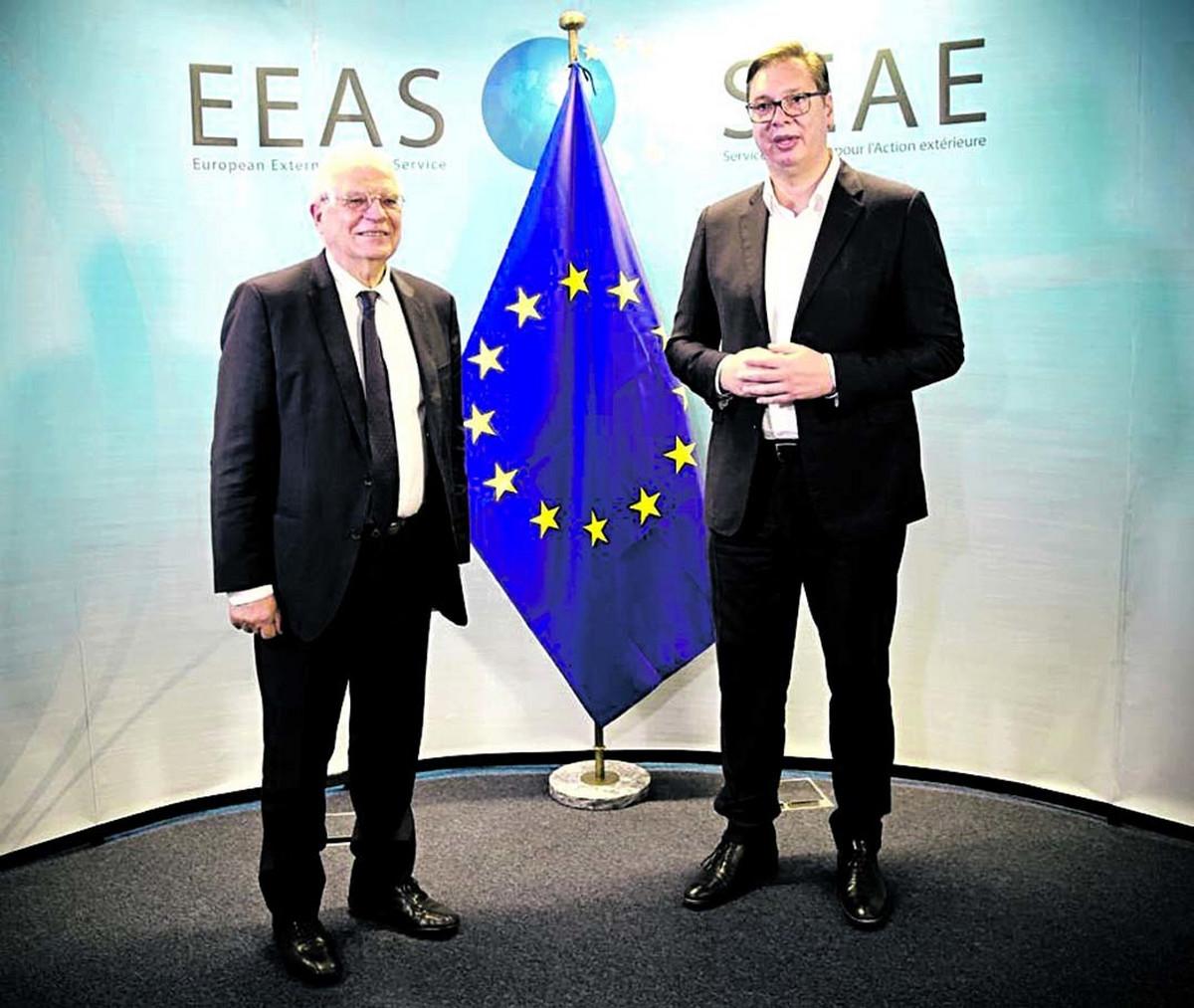 NOVO ISTRAŽIVANJE CESID-A Raste podrška Srba pristupanju EU, ideja RAZGRANIČENJA gubi pristalice, u NATO NI ZA ŽIVU GLAVU!
