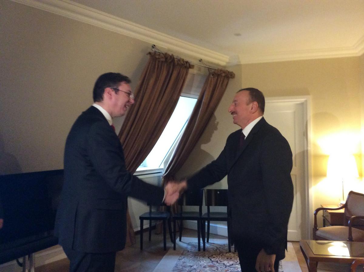 Vučić razgovarao sa predsednikom Azerbejdžana o izvozu naoružanja