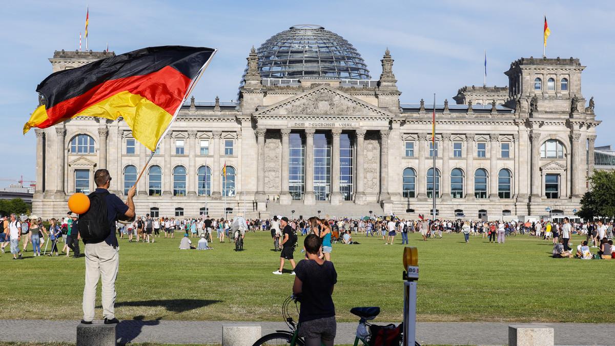 """GUŠENJE RASPRAVE"" Posle SAD, i Nemačka reagovala na sporni Zakon o OVK"