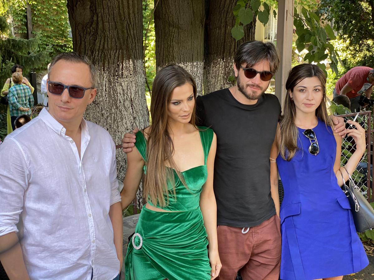 """BEOGRAD SE JUTROS OKRETAO SAMO ZA NJOM Milica Pavlović u kratkoj haljini i svi su PALI: """"Projekat 'Pevačica' je MEGA-GIGA"""""""
