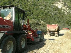 Simić: Radovi u blizini manastira Dečani još jedan vid pritiska