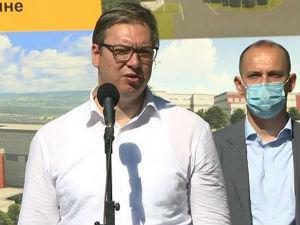 Vučić: U Srbiji penzije i plate sigurne, na jesen ćete videti kako puca u pola sveta