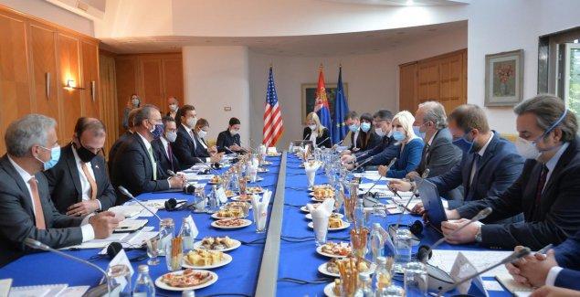 POHVALE IZ SLOVENIJE Analitičari o otvaranju regionalne kancelarije DFC: Nova era Srbije i SAD