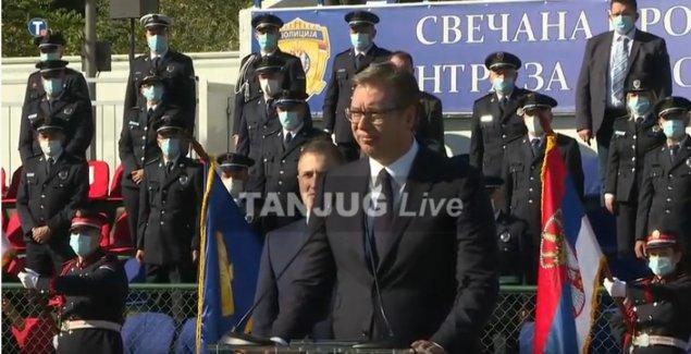 (UŽIVO) U Makišu svečana promocija polaznika osnovne policijske obuke, prisustvuje Vučić (VIDEO)