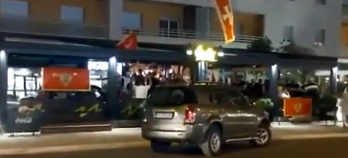 LETELE KAMENICE U PODGORICI Više osoba povređeno u sukobu pristalica DPS-a i opozicionih koalicija, policija sprečila veći incident