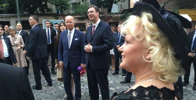 KAD JE BAJDEN PLESAO U SKADARLIJI uz pesmu Zvonka Bogdana: Pogledajte kako je izgledala poseta američkog predsednika Srbiji (VIDEO)