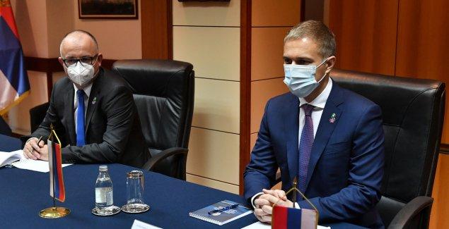 Stefanović se ambasadorom Bocan-Harčenkom: Rusija će nastaviti podrškom Srbiji po pitanju Kosova