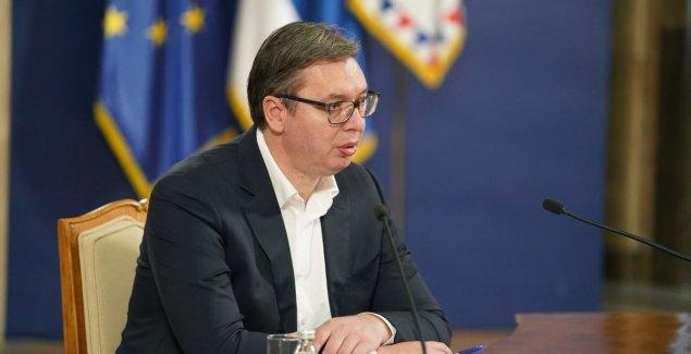 Vučić na otvaranju Pariskog foruma o miru, u prvi plan stavio pitanje EKONOMIJE