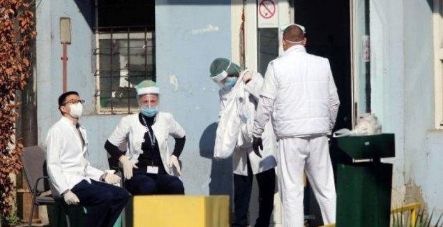 ДВОЈЕ НА РЕСПИРАТОРУ: У смедеревску болницу ноћас примљено десетак пацијената из Београда